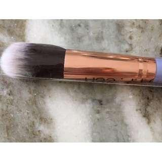 LUXIE BEAUTY #660 Precision Foundation Brush Vegan Cruelty-free Rose Gold New & Authentic [Price is firm, No Swaps]