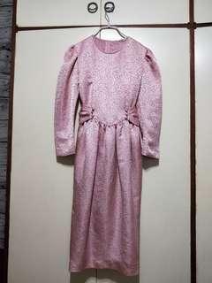 緞面高級粉色洋裝