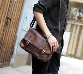 韓式作風 經典復古 郵差側背包
