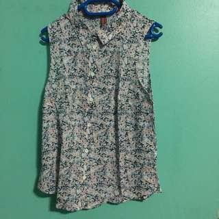H&M sleeveless floral top
