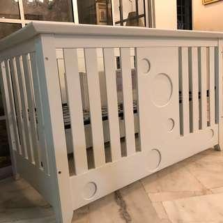 🆕WHITE SOLID WOOD BABY COT