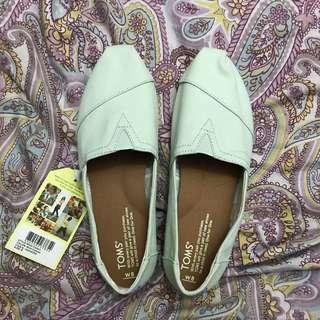 Toms Mint Green Canvas Shoes