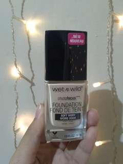 Wet N Wild Photofocus Foundation - Soft Ivory