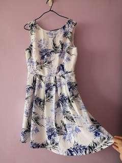 Blue leafly dress