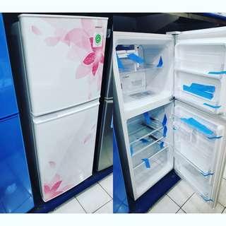 Kulkas sharp 2 pintu bisa kredit datang langsung