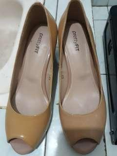 Wedges pretty fit