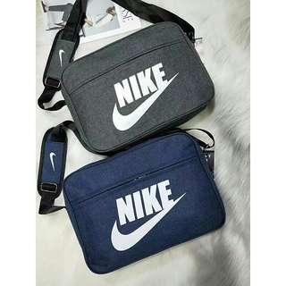 🚚 Nike肩背包(深藍色)