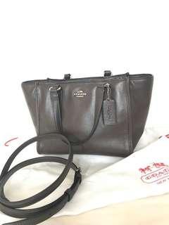 🈹Coach Two Way Handbag (chocolate Colour)