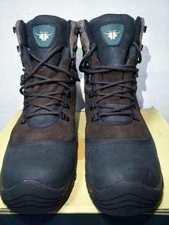🚚 LA new GORE TEX 登山靴
