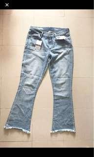 🈹Gap boot cut jeans 全新喇叭褲毛邊