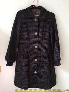 🚚 復古大衣外套(黑底紫點)