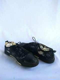 Uknown shoes