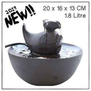 """""""Whale"""" 1.8L Ceramic Pet Drinking Fountain"""