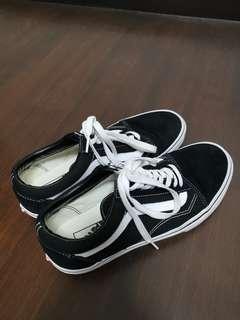 Vans black and white old skool leather