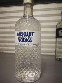 Absolut vodka limited edition 100%new 750ml