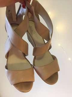 Kenneth Cole Nude Pink Heels