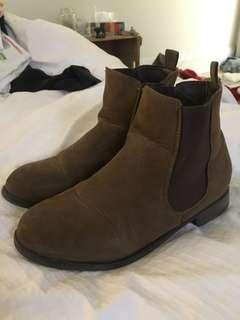 Chelsea Boots - size 6