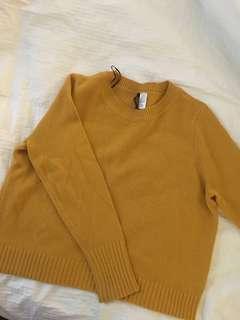 Large - H&M yellow sweater