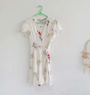 BNWT White floral wrap dress