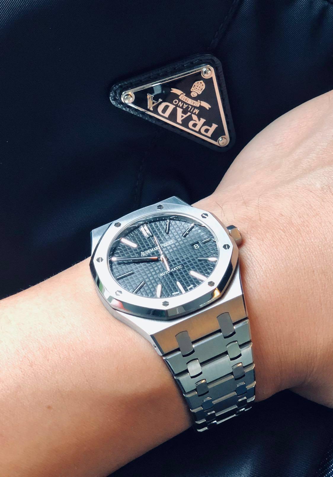 697ed0a32f8 Audemars Piguet Royal Oak 15400st Black dial., Luxury, Watches on Carousell