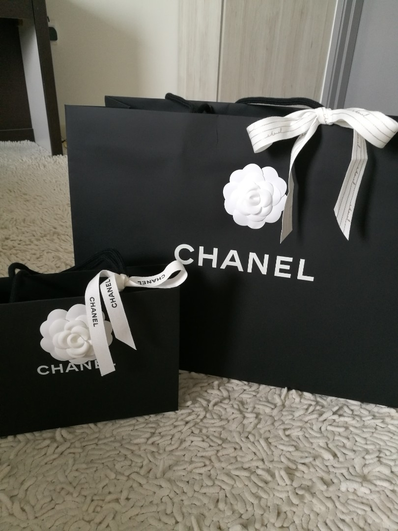 3b8246111377 AUTHENTIC CHANEL Chanel Paperbag paper bag camelia camellia flower ribbon  new big small black, Luxury, Accessories on Carousell