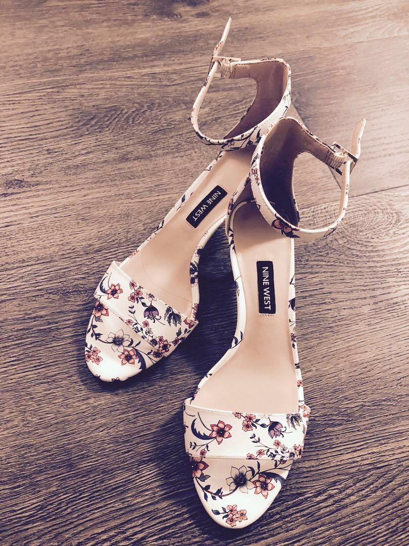 e6f2d5635e3 Brand New Nine West Floral Kitten Heels