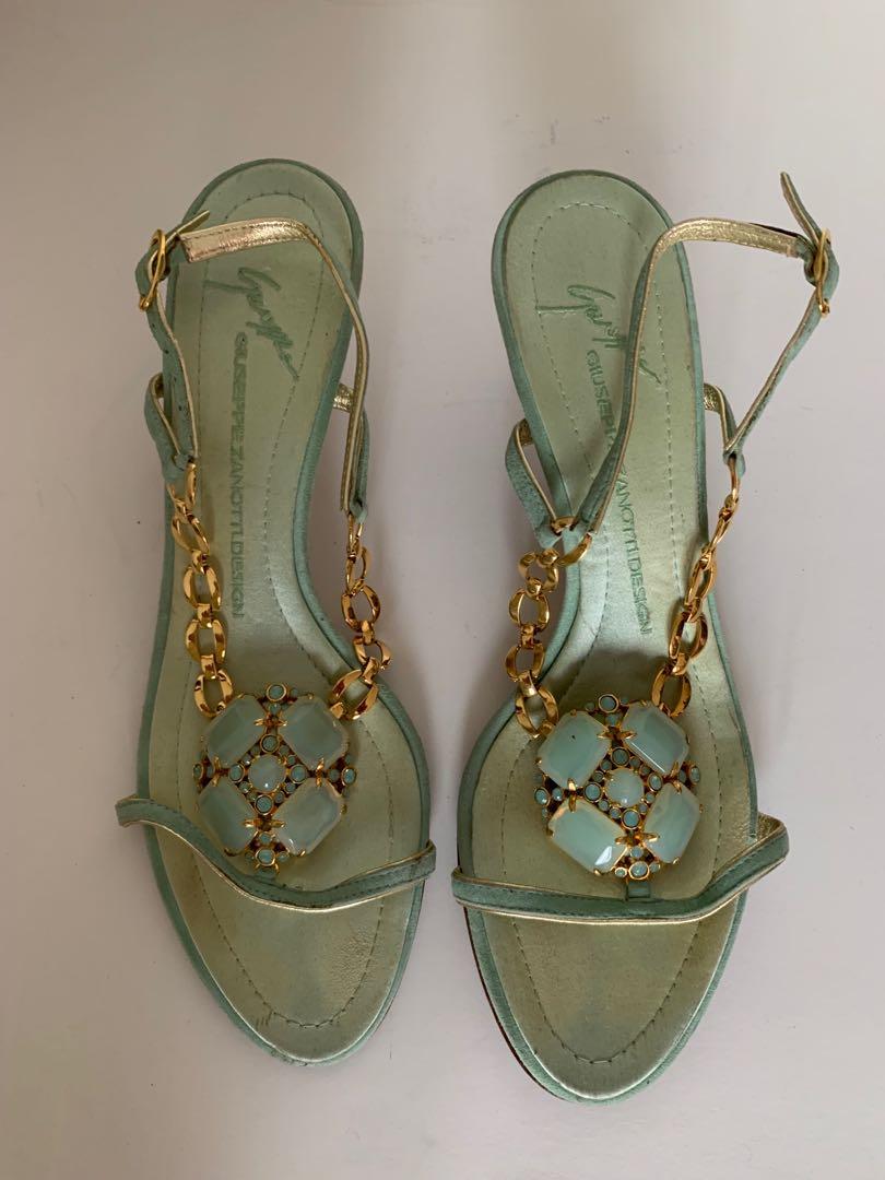 eef027ec7b0f4 Home · Women's Fashion · Shoes · Flats & Sandals. photo photo ...