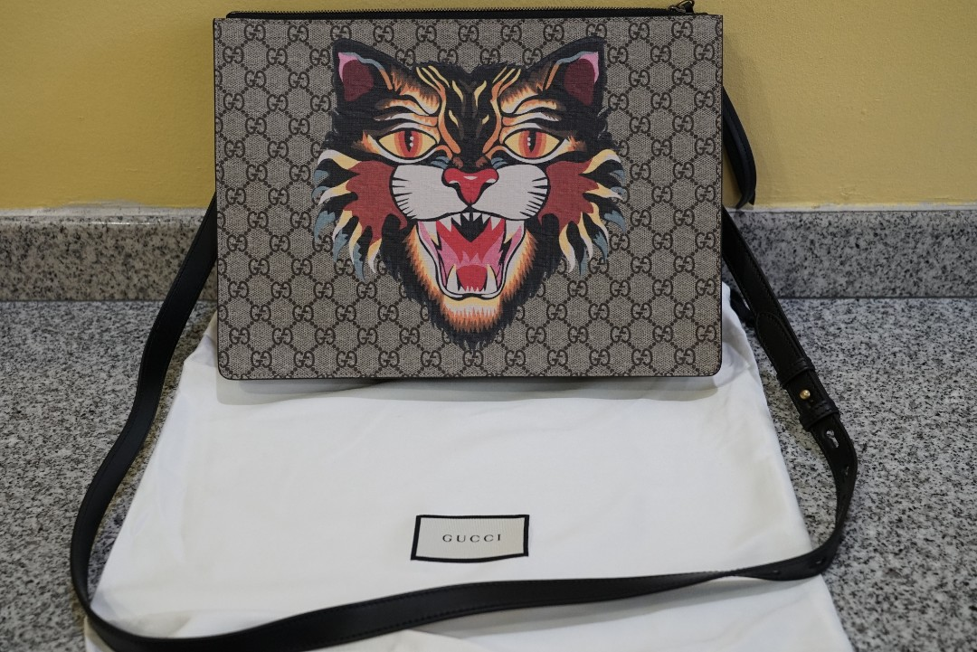 8869879006eb Gucci Angry Cat Print GG Supreme Messenger Bag, Luxury, Bags & Wallets,  Sling Bags on Carousell