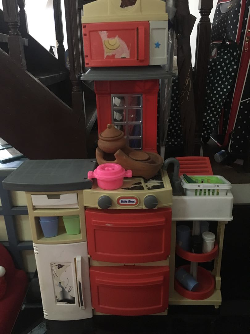 little tykes kitchen set babies kids toys walkers on carousell rh ph carousell com little tikes wooden kitchen set little tikes kitchen second hand coventry