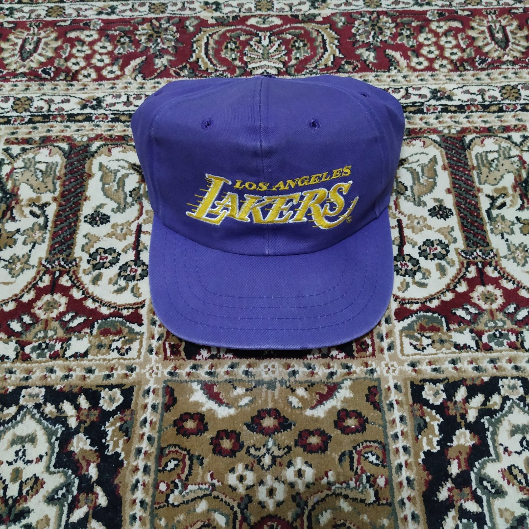 69654bc1 Los Angeles Lakers snapback cap vintage, Men's Fashion, Accessories, Caps &  Hats on Carousell