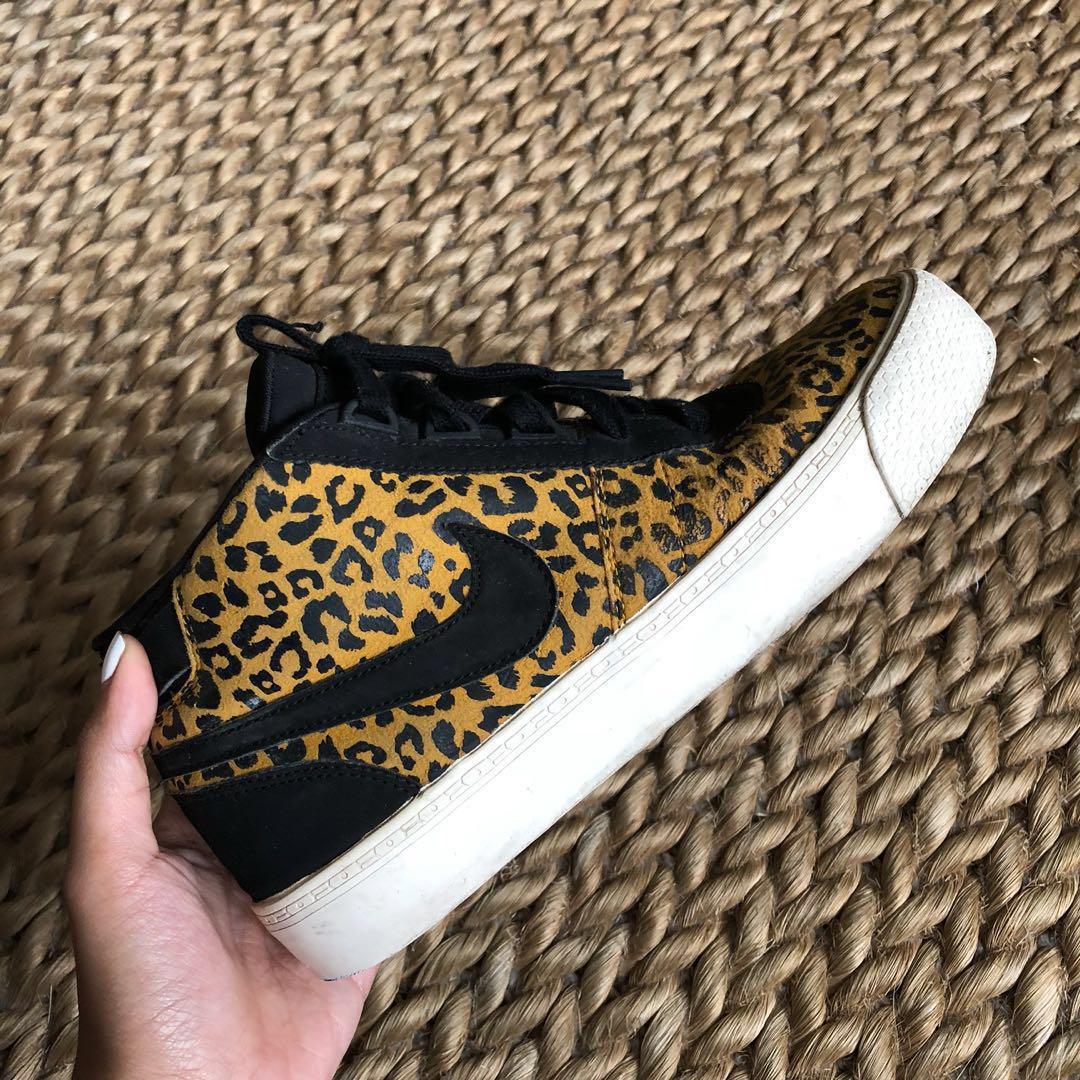 super popular 51422 30d02 Original Nike Cheetah Print Dunks, Women s Fashion, Shoes on Carousell