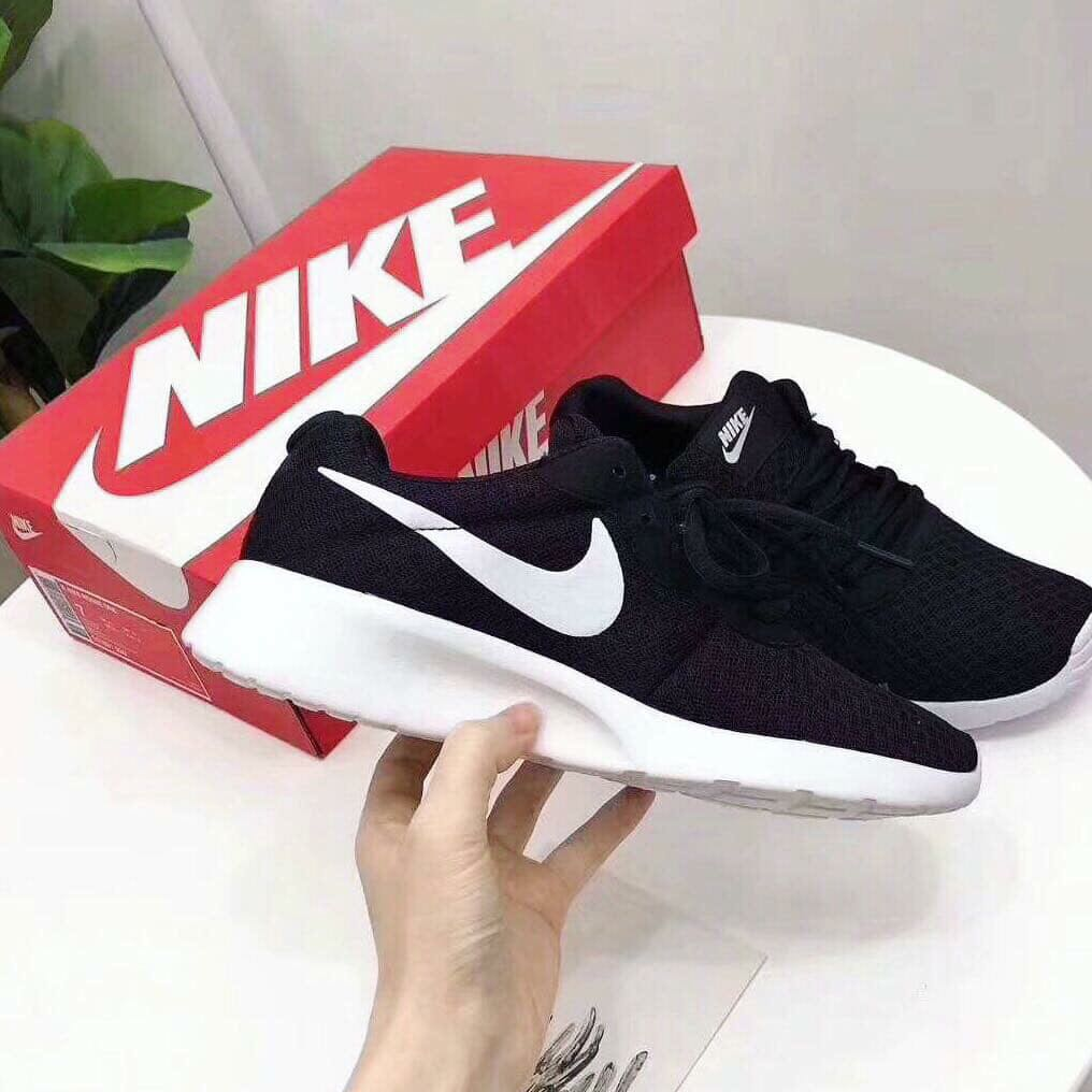 uk availability 7c72f 8cf2e Roshe Tanjun (2for 60), Women s Fashion, Shoes, Sneakers on Carousell