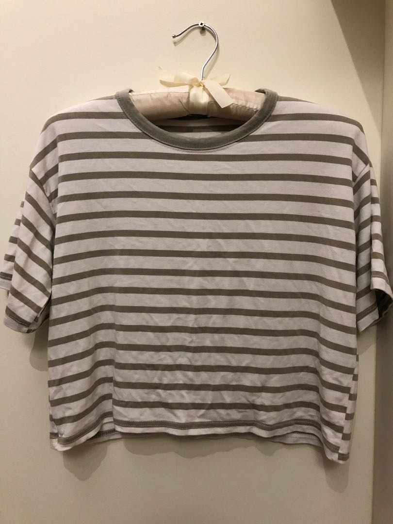 f4cd7dc624a48b zara olive green striped cropped top #1212, Women's Fashion, Clothes ...