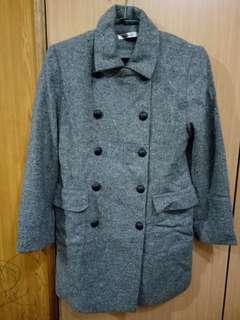 灰色雙牌釦長大衣