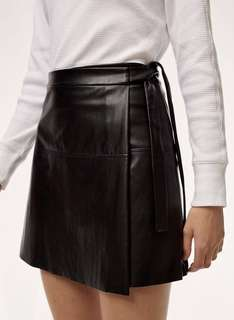 1ab93a5674 Aritzia wilfred free spurlock skirt