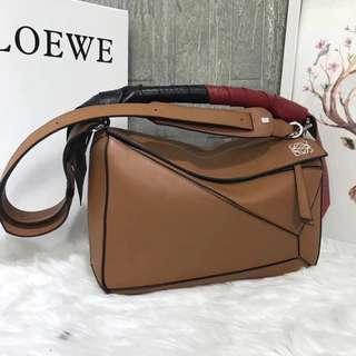 Loewe Puzzle Wrap Bag (11025)  , SUPERMIRROR, w29xh18xd12cm  berat 1kg  H  @3.6jt