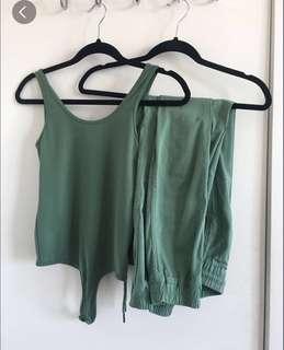 Dark green matching set size small