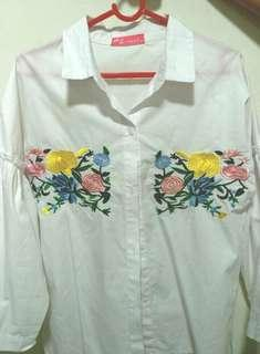 Girl's Button up white top with delicate sewn flowers