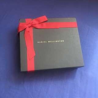 Brand New Authentic Daniel Wellington Gift Set