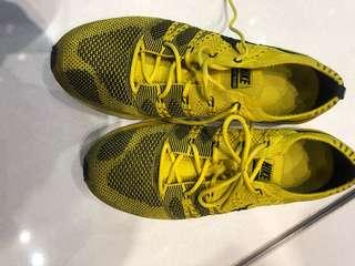 Nike fkyknit US Size 10