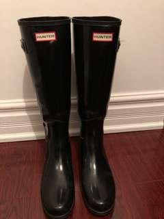 Black Hunter boots (Size 9)