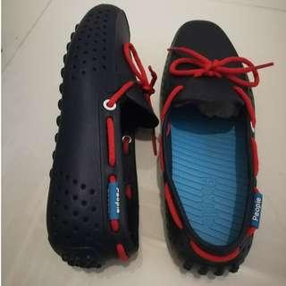 People's footwear (shoes boat shoes NOT sneakers nike adidas puma)