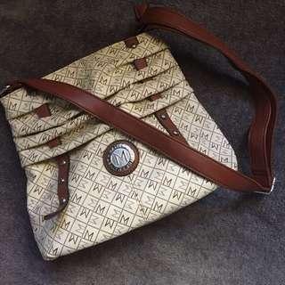 Maiyet Sling bag