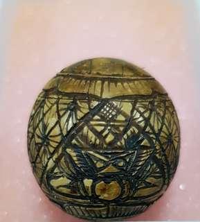 Lp noi phra rahu one eye coconut