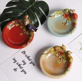 Decorative Porcelain Bowls/Plates