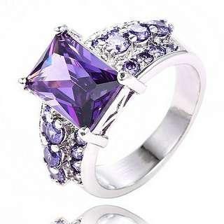 💎女性的高貴925純銀水晶紫鋯石戒指兩側裝飾 💰:450元              🚙:60元