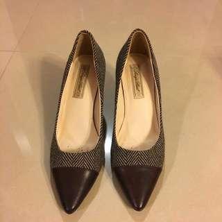 🚚 咖啡色條紋跟鞋