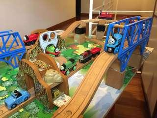 Thomas wooden train set - table, board, train tracks, trains & accessories