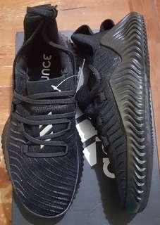 Adidas AlphaBOUNCE trainer size 7.5 US for men or 8.5 US for women (25.5 cm)