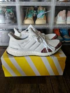 Price Firm : Us10 Adidas Ultraboost boost white multi